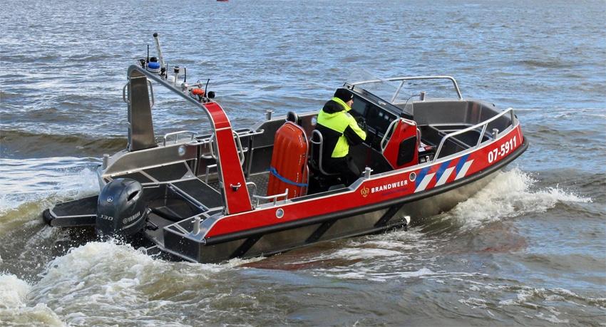 Stormer Marine BV and SAFE Boats International Sign License Agreement